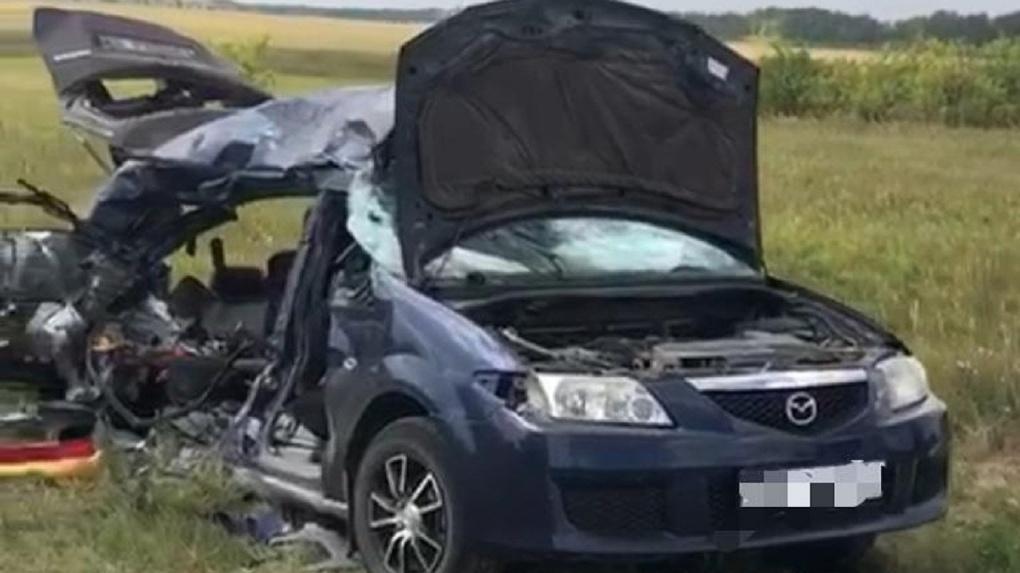 Четверо погибших: грузовик вылетел на «встречку» и врезался в автомобиль в Новосибирской области
