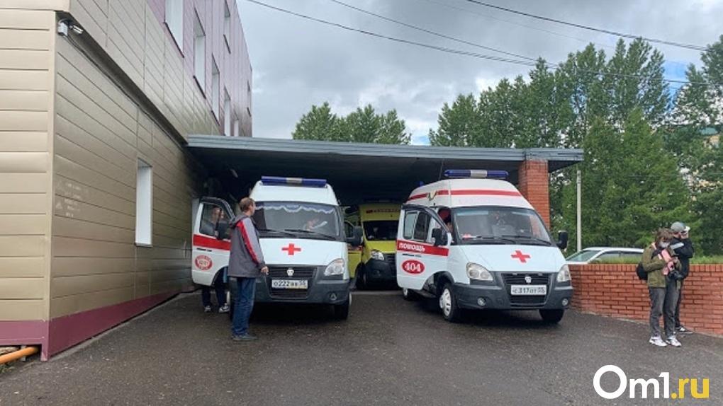 «Это дорогого стоит». Омские медики, спасшие Навального, поблагодарили коллег за поддержку