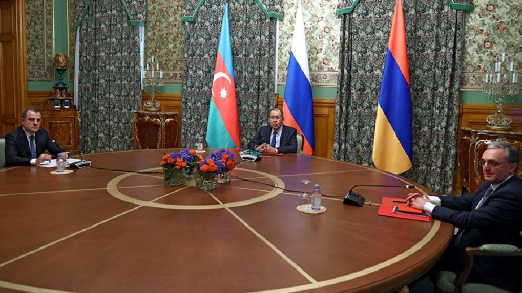 Армения и Азербайджан договорились о перемирии в Нагорном Карабахе