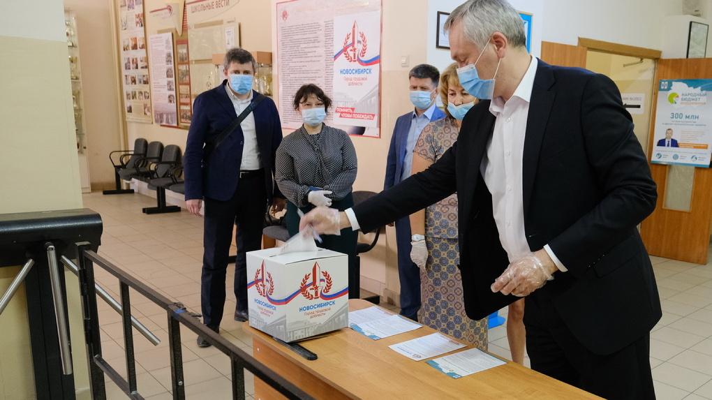 200 тысяч человек проголосовали за присвоение Новосибирску звания «Город трудовой доблести»