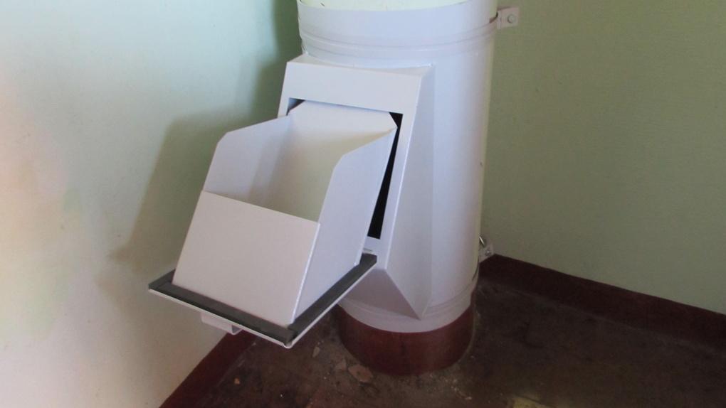 Конфликт мусоропроводов с «мусорной» реформой увидел новосибирский депутат