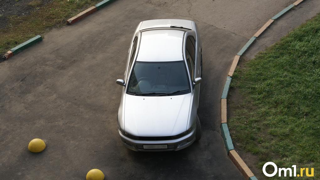 Новосибирские девушки стали чаще выбирать в качестве профессии ремонт и обслуживание автомобилей