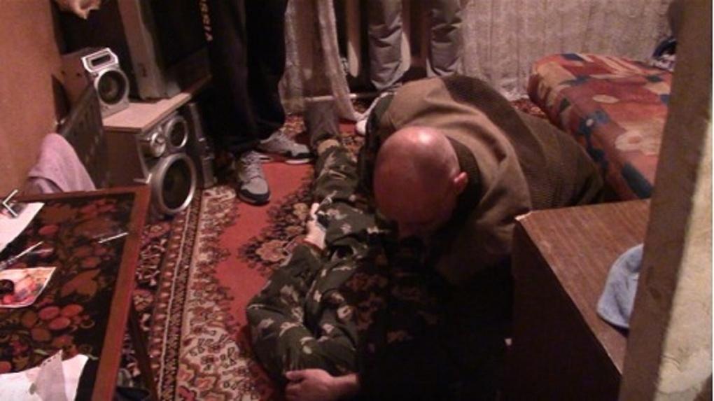 Придавил шею рукой: новосибирец хладнокровно задушил знакомую