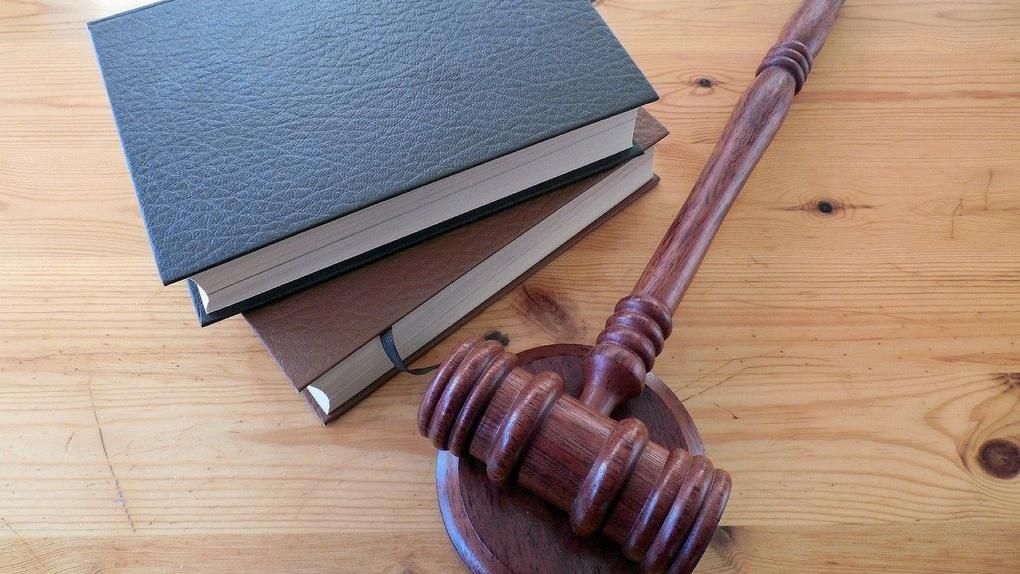 Родители студентов ФМБ, который хотят ликвидировать, намерены судиться с омским вузом