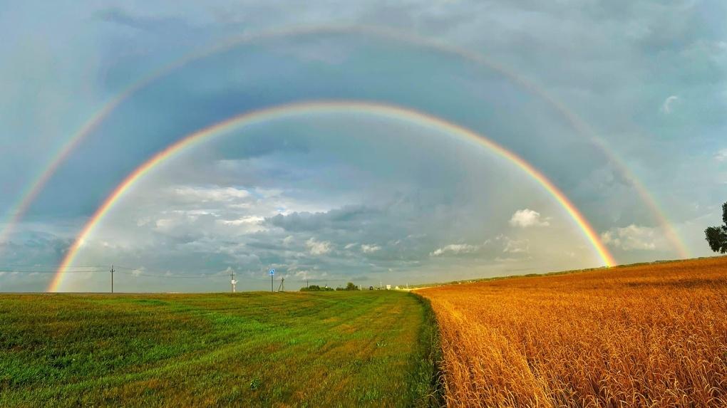 Двойная радуга шокировала новосибирцев