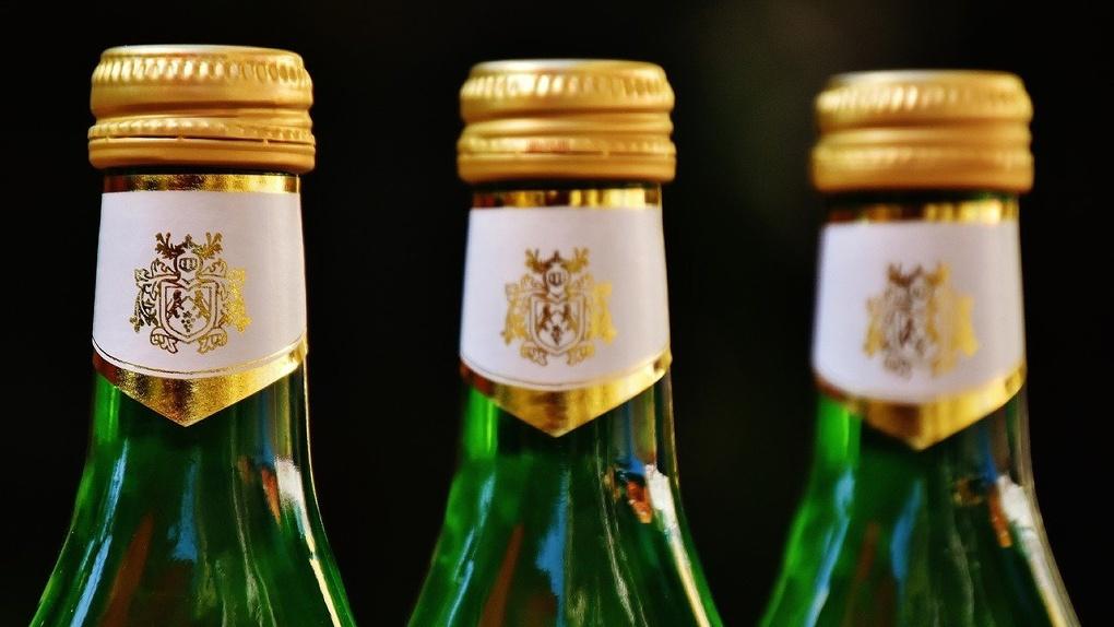 На новосибирской трассе изъяли 200 литров контрафактного алкоголя
