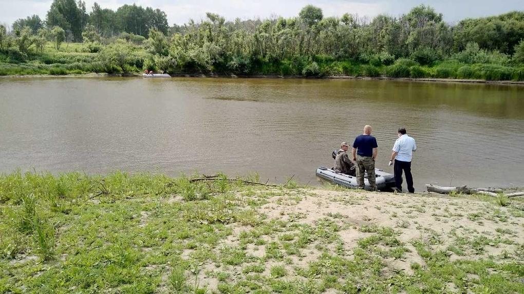 Двое 17-летних подростков без вести пропали на берегу реки Тары в Новосибирской области