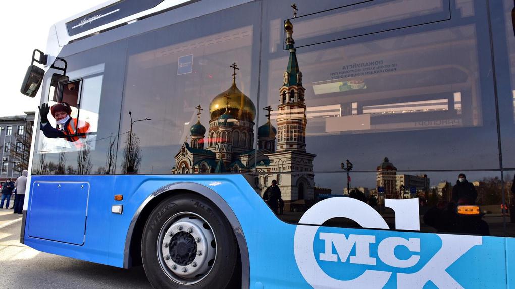 Климат-контроль и сенсорное управление: новые троллейбусы «Адмирал» приятно удивили омичей