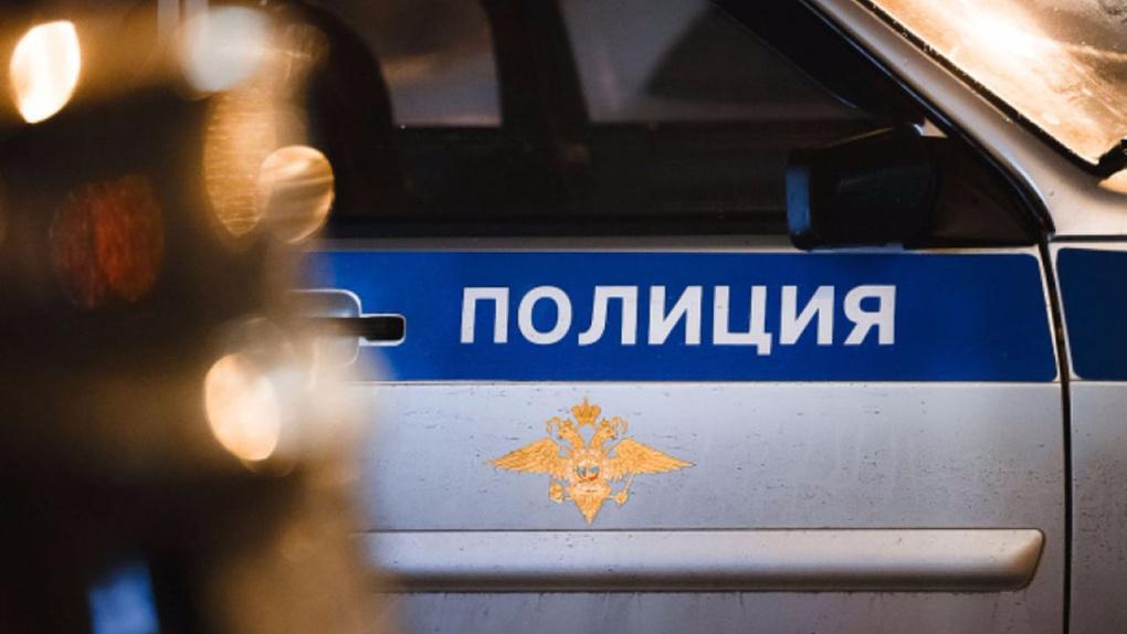 В Омской области мужчину изрезали ножом