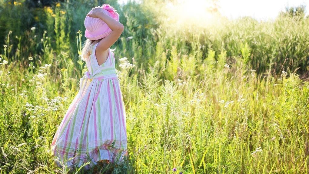 Новосибирец набросился на четырёхлетнюю девочку и стал её душить