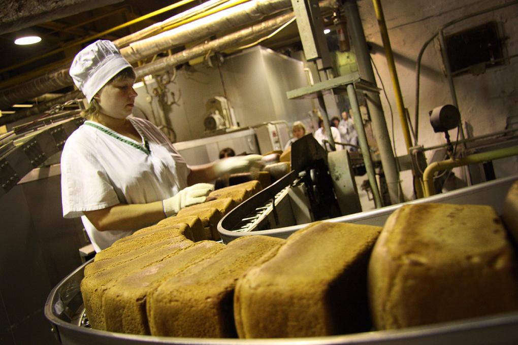 Подорожают хлеб, чай и алкоголь: поставщики продуктов повысят цены на 10%