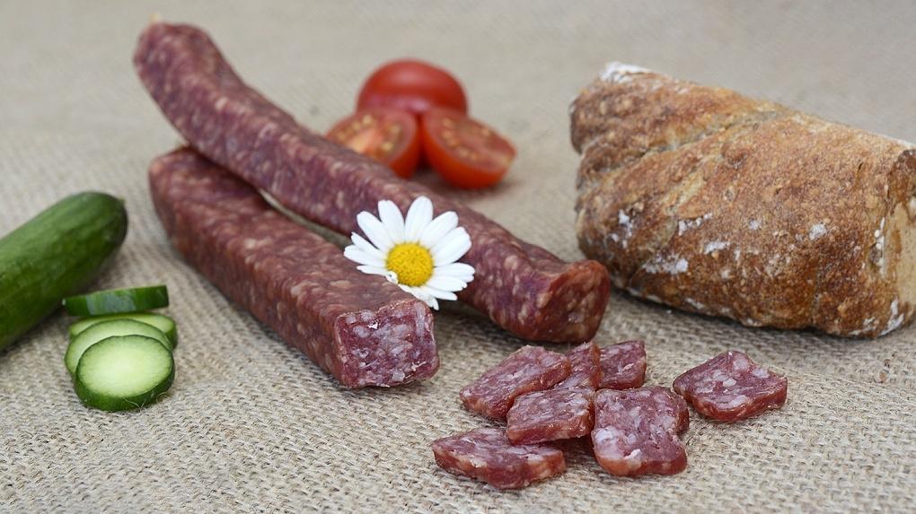 На Масленицу омичи смогут попробовать 100-килограммовую колбасу