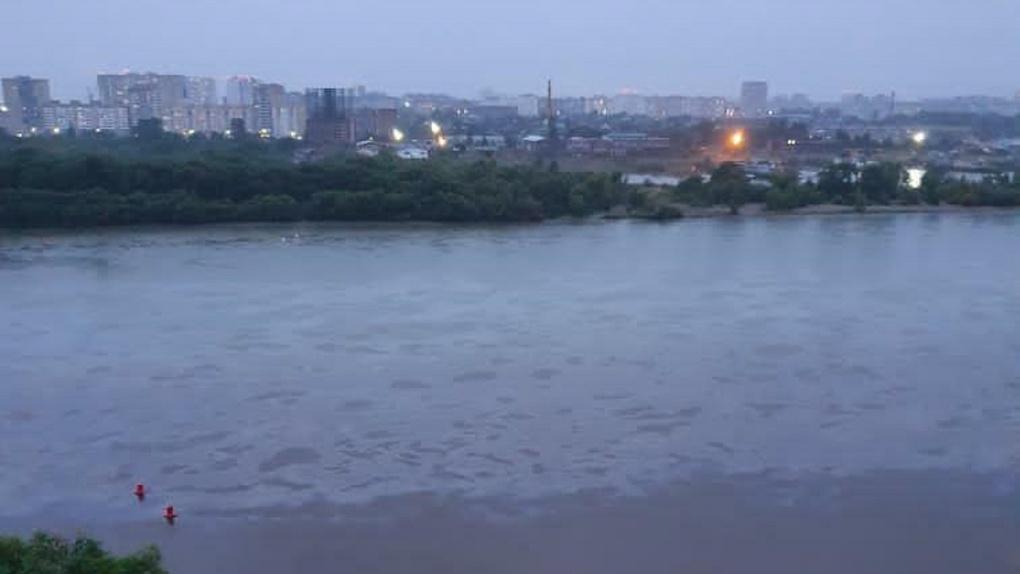 «Пробы загрязнения не показали»: в Минприроды прокомментировали попадание в Иртыш нефтепродуктов