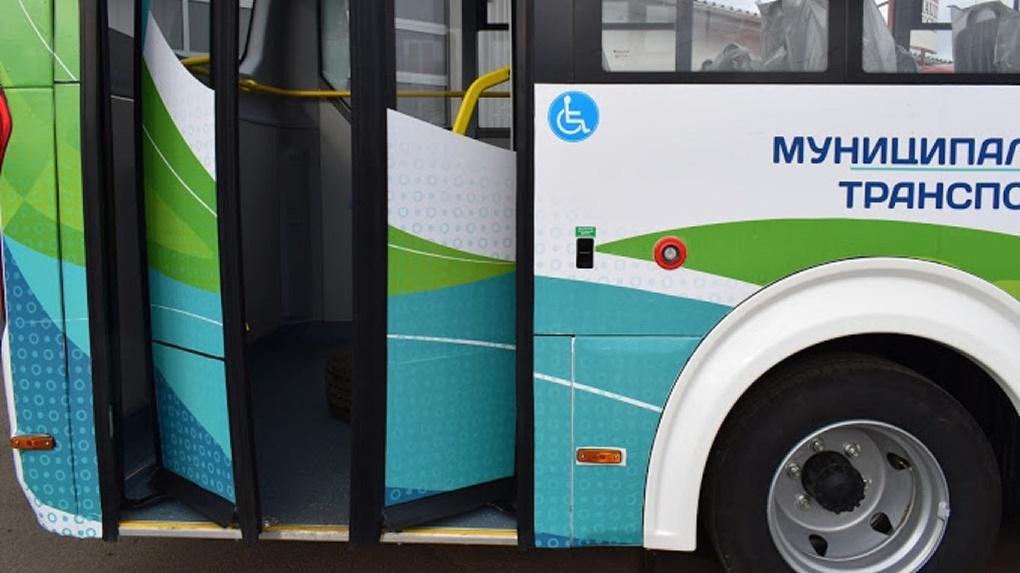 Садовые автобусы Омска переходят на новое расписание