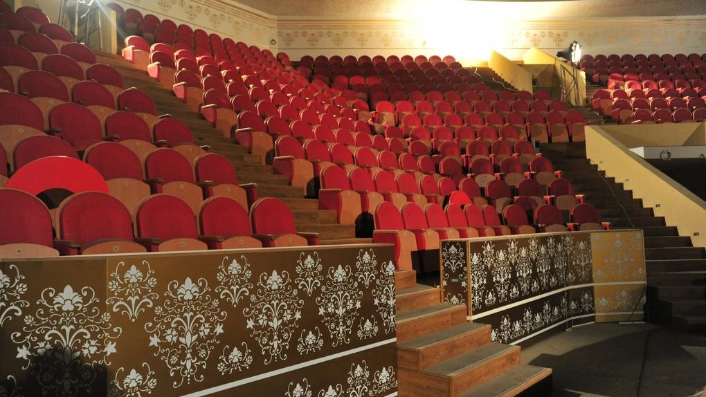 В Омском цирке покажут кино на самом большом экране за Уралом