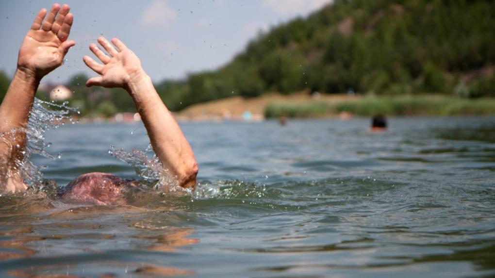 В котловане в Омской области утонул мужчина