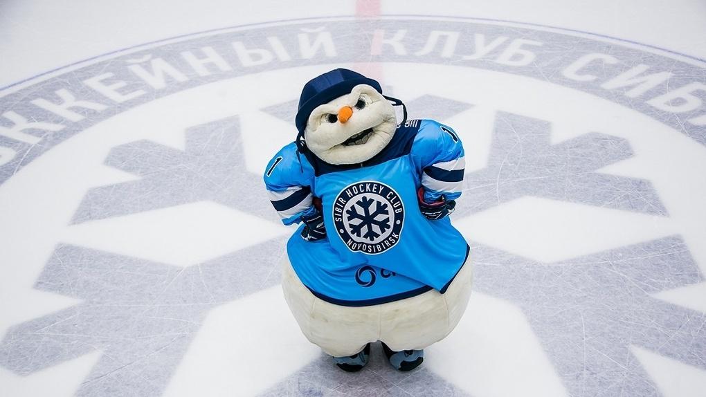 Снеговик дал старт ледовой подготовке новосибирского клуба «ХК Сибирь»