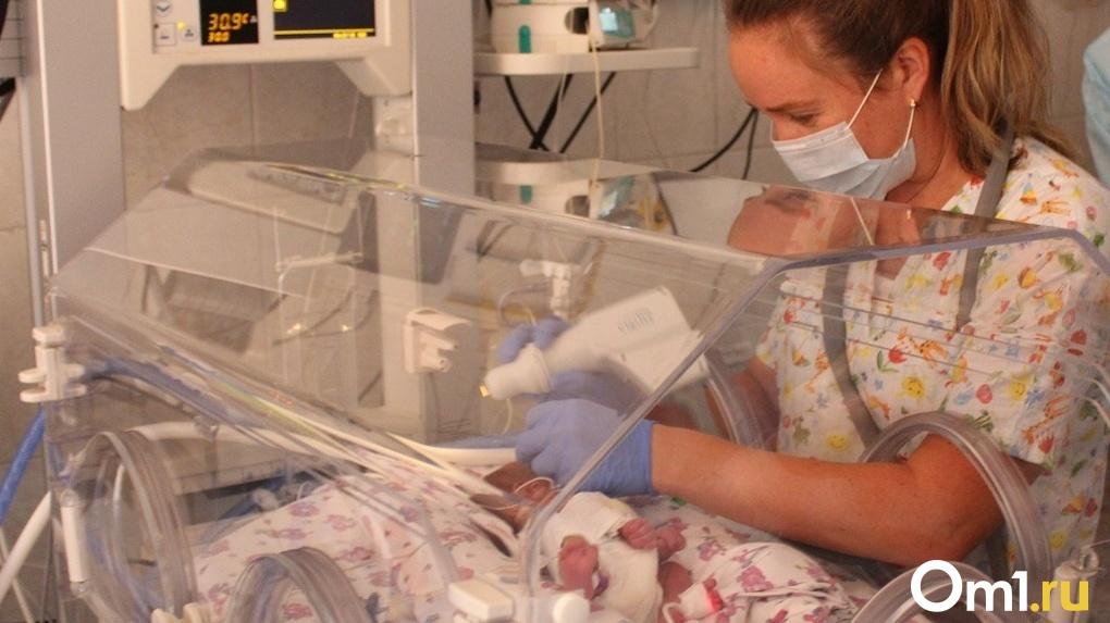 Это страшно! Истории трёх мамочек из Новосибирска, которые родили крохотных детей весом менее килограмма