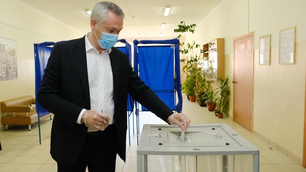 Жители Новосибирской области могут безопасно проголосовать по поправкам в Конституцию