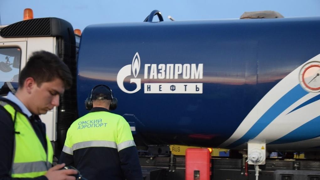 В Омске рухнули цены на топливо