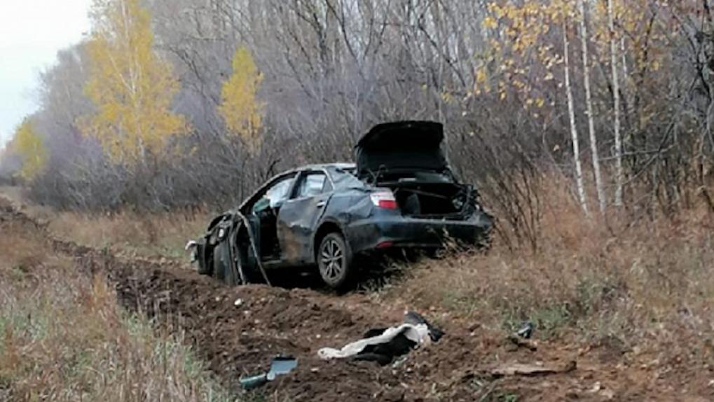Под Новосибирском погиб 18-летний водитель после опрокидывания машины в кювет