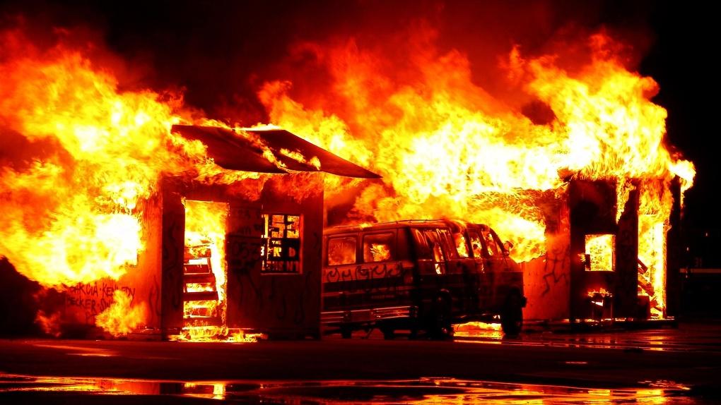 Омичам рассказали, как спастись от пожара во время самоизоляции