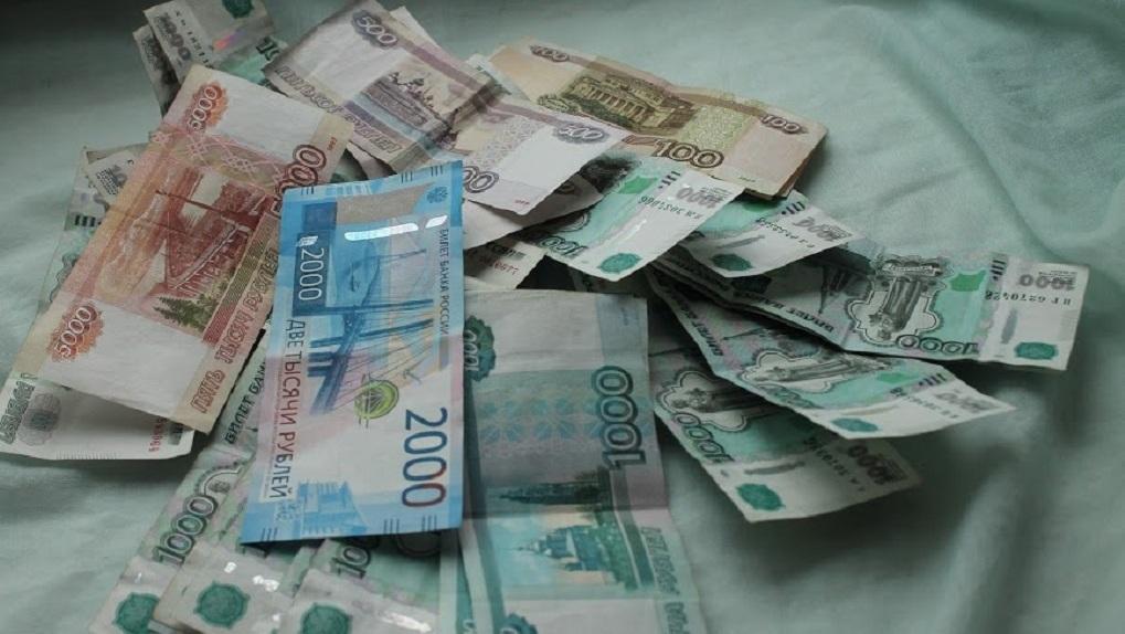У новосибирского экс-полицейского из банковской ячейки украли более 100 млн рублей