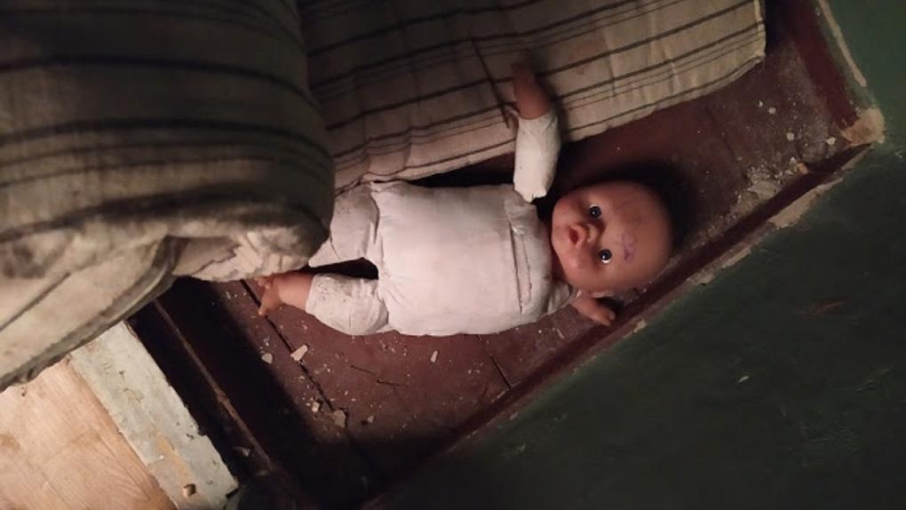 В Новосибирске вынесли приговор омичке, которая убила свою дочь, затолкав ей в горло хлеб