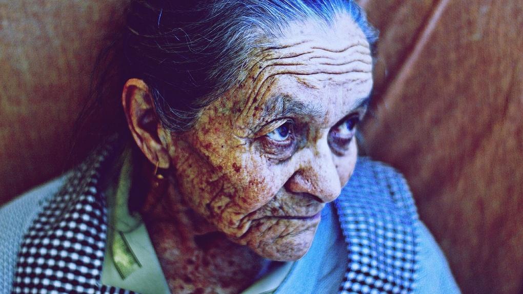Омских пенсионеров предупредили, что они могут остаться без пенсий в новом году