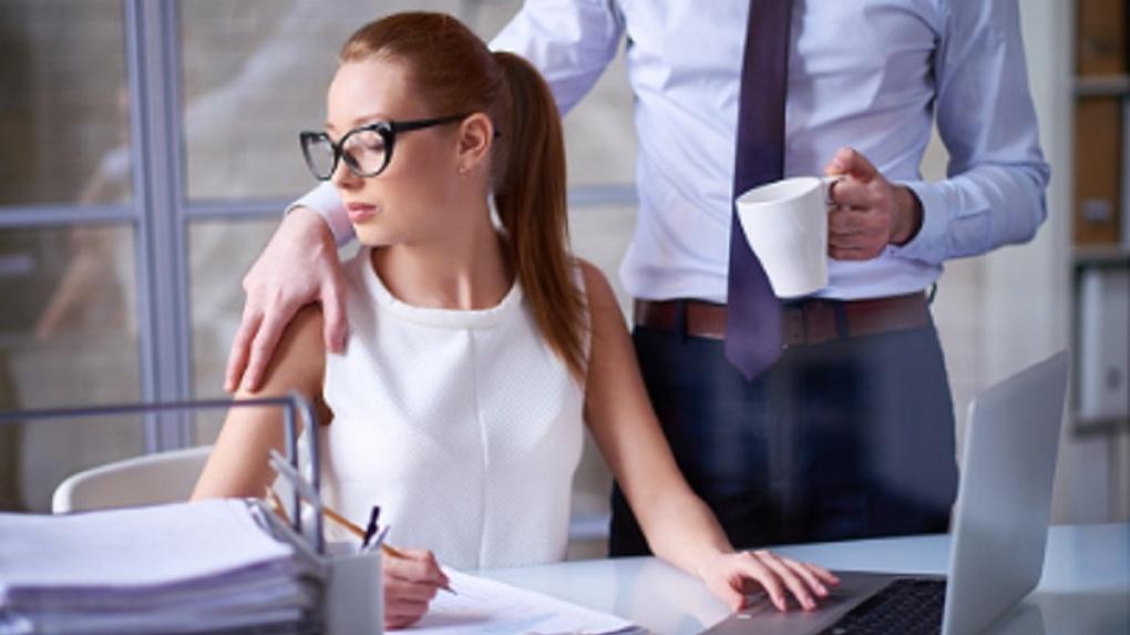 Новосибирцы заявили о домогательствах на работе