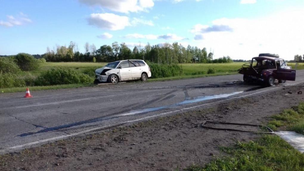 Трое пострадали, один умер на месте: под Новосибирском произошло страшное ДТП
