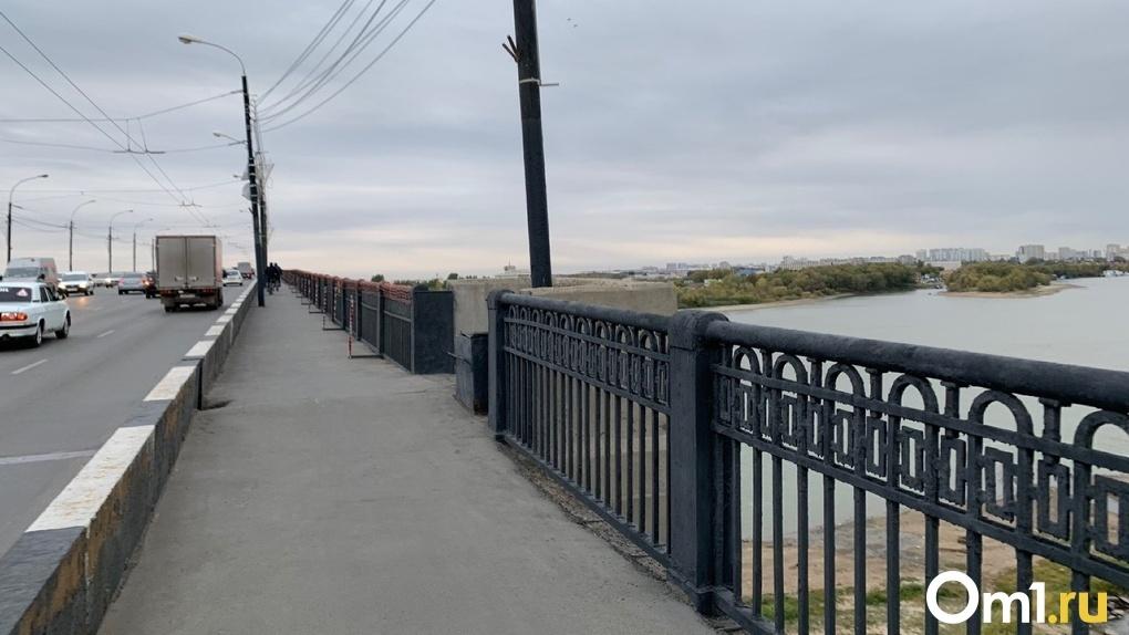 Плавный ход и никаких заторов. В Омске до 15 июля отремонтируют Ленинградский мост