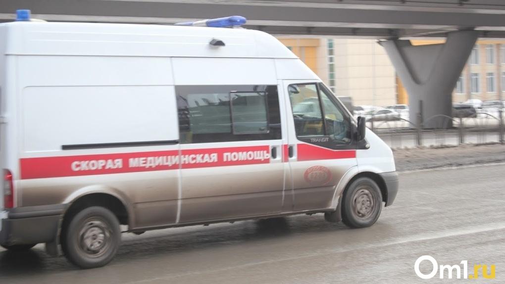 В Омской области водитель без прав переехал лежачего пешехода