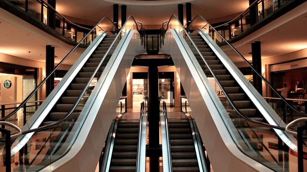 Из-за коронавируса в Новосибирске на четверть снизилась посещаемость торговых центров