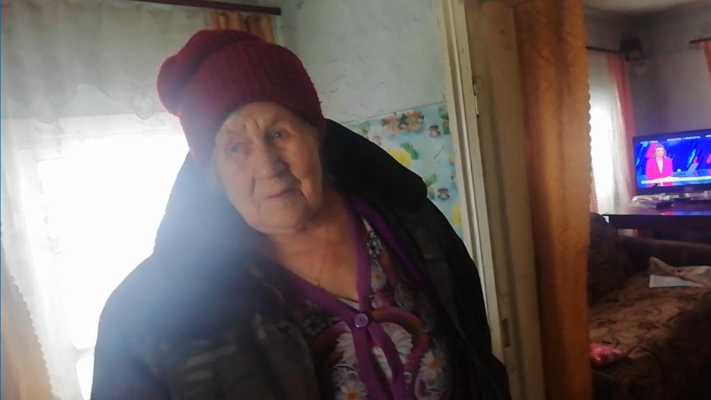 Придавит насмерть: 89-летняя пенсионерка рискует погибнуть под завалами дома в Новосибирской области