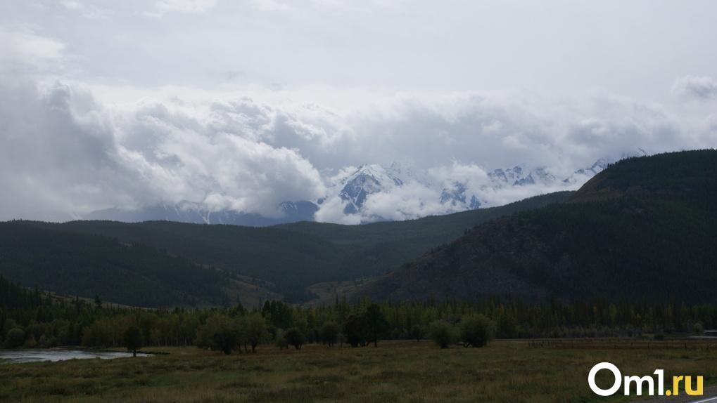 Омич потерялся в горах Алтая. Три дня турист провёл среди снега и лесов