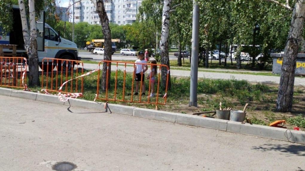 В Омске нашли ответственного за падение мальчика в яму с водой