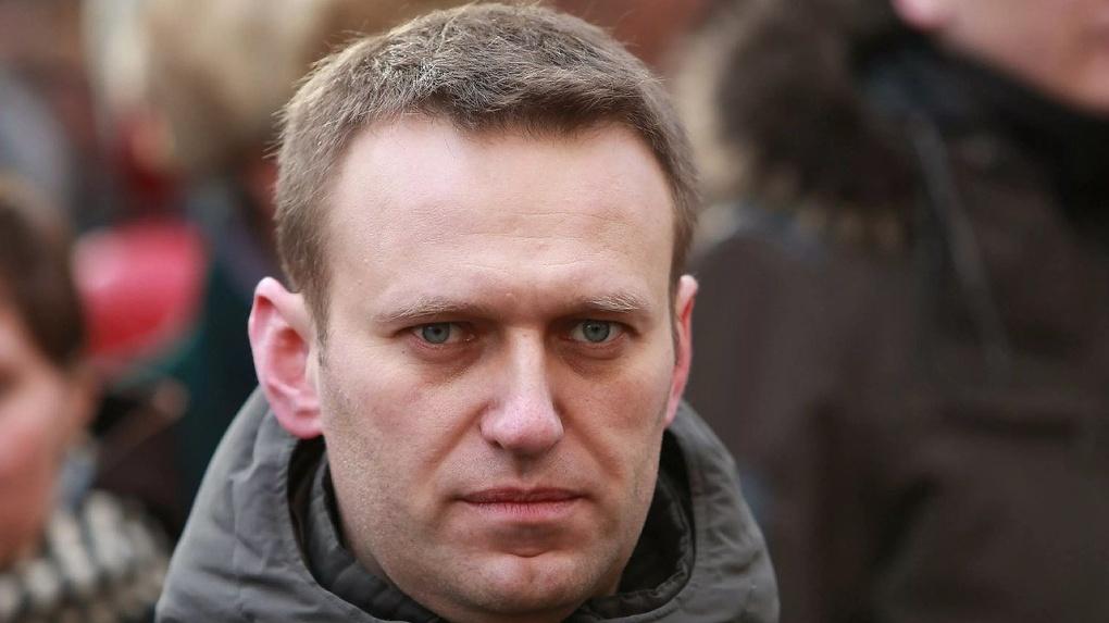 Оппозиционер Алексей Навальный приехал в Новосибирск. Политик снимает провокационный ролик