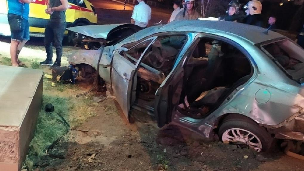 В аварии в центре Омска погиб молодой парень