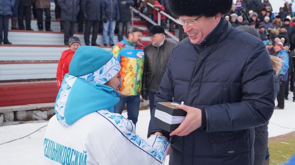 Мединский и Бурков побывали на торжественном открытии сельской олимпиады в Омской области