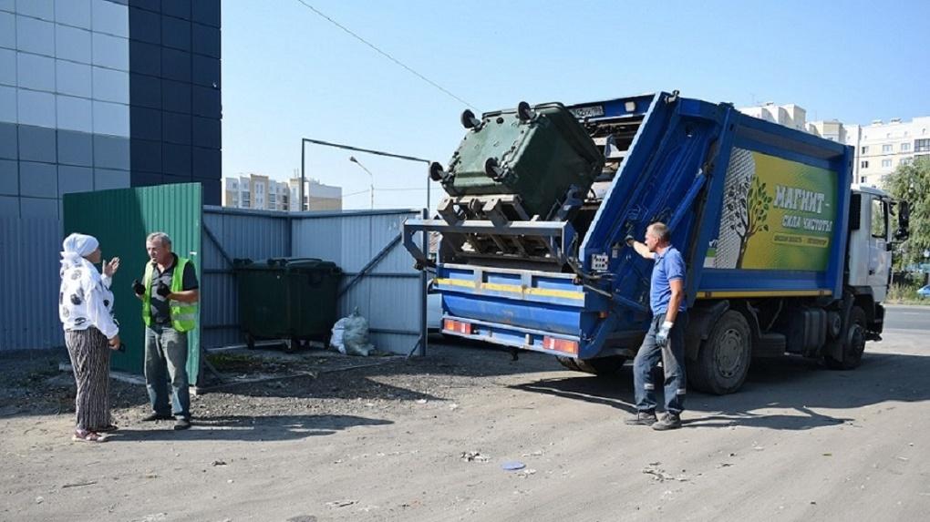 Контейнеры вывозят ежедневно, без сбоев: омская квартальная о мусорной реформе в частном секторе