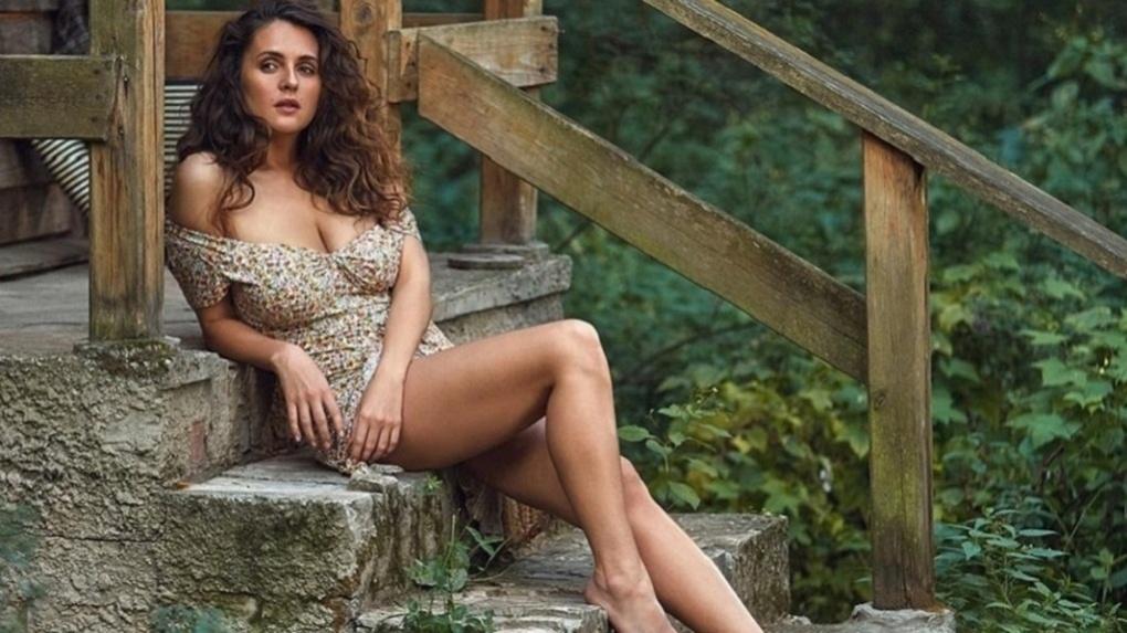 Сексуальная актриса из Новосибирска и звезда журнала Maxim семь дней голодала на Алтае