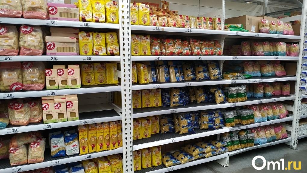 В период пандемии омичи начали массово грабить продуктовые магазины
