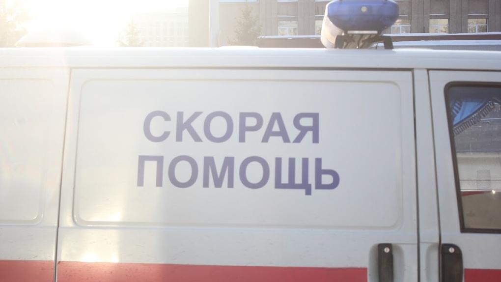 Под Омском на остановке нашли ребёнка в полубессознательном состоянии