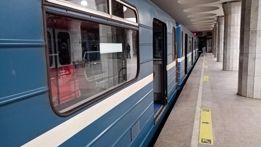 12 эскалаторов купят для станции метро «Спортивная» в Новосибирске
