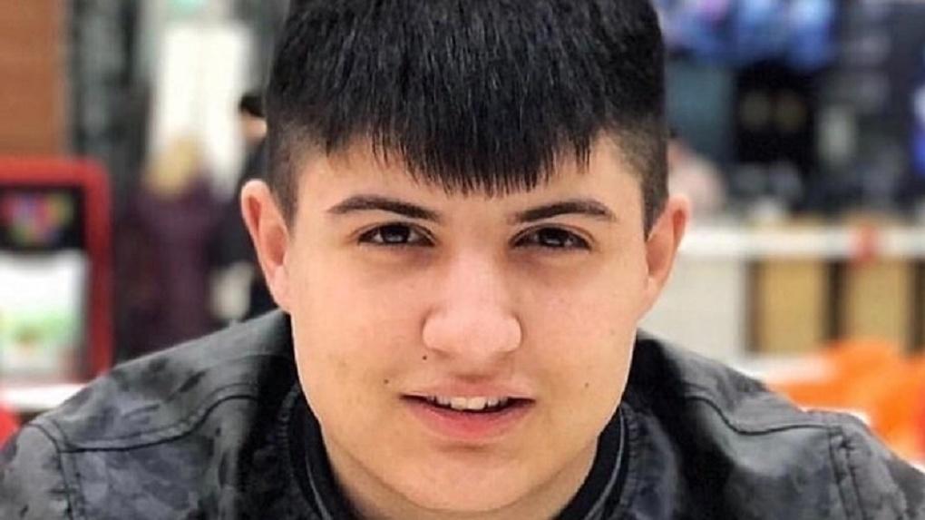 Наказать убийцу Векила Абуллаева. Новосибирцы ополчились на инспектора ДПС после его выхода из СИЗО