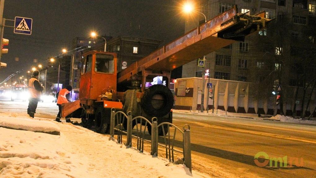 С начала сезона на омские полигоны вывезли более 200 000 кубометров снега