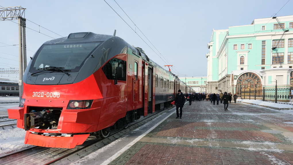 Современную электричку до Бердска запустили с вокзала Новосибирск-Главный