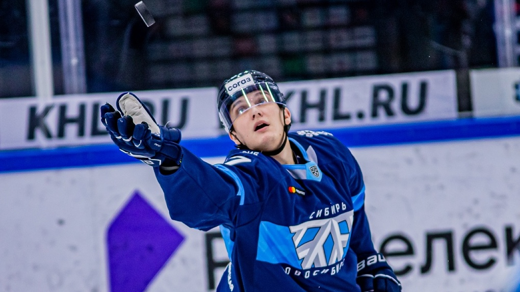 ХК «Сибирь» вырвала победу у хабаровского «Амура» в домашнем матче