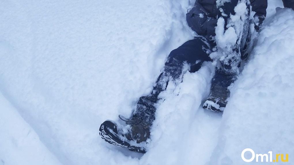 Труп 18-летнего парня нашли под Коммунальным мостом в Новосибирске
